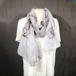 H&M Grey Floral Print Rectangle Scarf